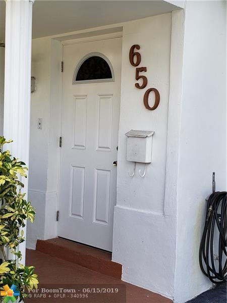 650 SE 10th St, Pompano Beach, FL 33060 (MLS #F10180726) :: Green Realty Properties