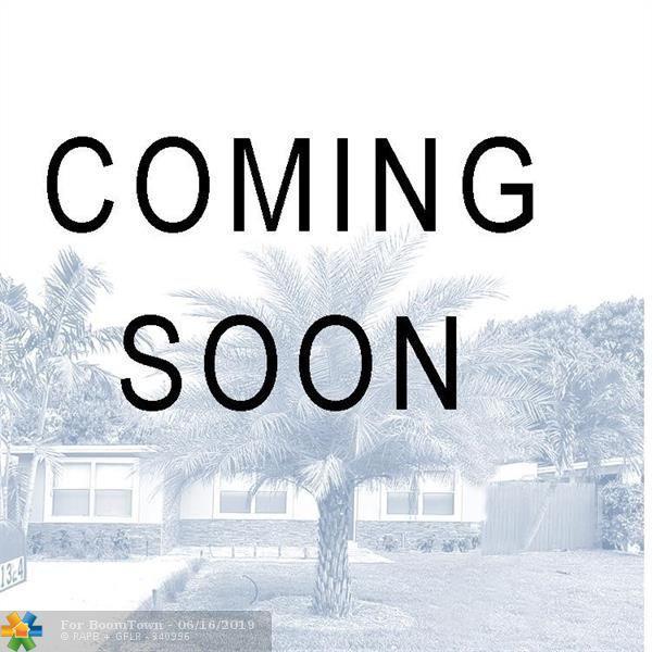 2116 NE 11th Ave, Wilton Manors, FL 33305 (MLS #F10180990) :: EWM Realty International