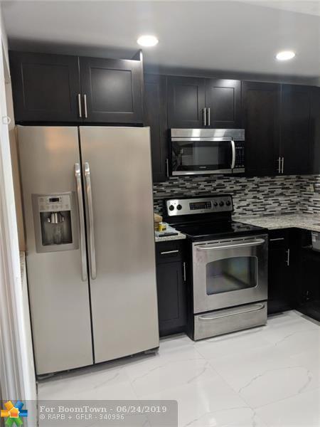 9380 Sunrise Lakes # 111 #111, Sunrise, FL 33322 (MLS #F10181889) :: Castelli Real Estate Services