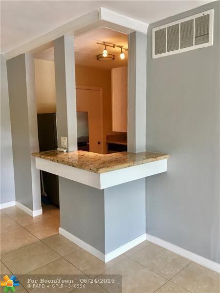3040 NE 16th Ave #405, Oakland Park, FL 33334 (MLS #F10181910) :: Castelli Real Estate Services