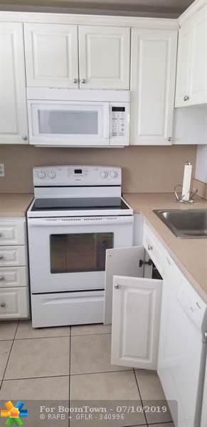 9230 Lagoon Pl #305, Davie, FL 33324 (MLS #F10184489) :: Green Realty Properties