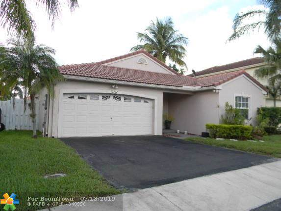 12774 NW 11th Pl, Sunrise, FL 33323 (MLS #F10184974) :: Berkshire Hathaway HomeServices EWM Realty