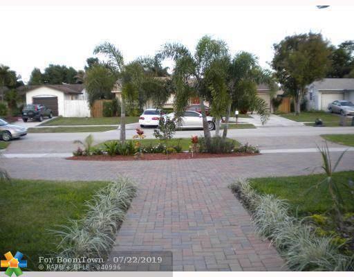 22761 Neptune Rd, Boca Raton, FL 33428 (MLS #F10186212) :: United Realty Group