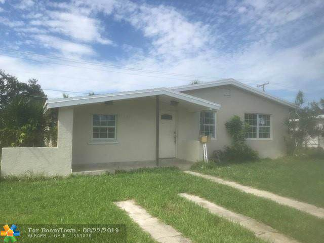 10241 Dominican Dr, Cutler Bay, FL 33189 (MLS #F10190909) :: Berkshire Hathaway HomeServices EWM Realty