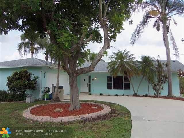 2550 SE Hemsing, Port Saint Lucie, FL 34984 (MLS #F10199281) :: Berkshire Hathaway HomeServices EWM Realty