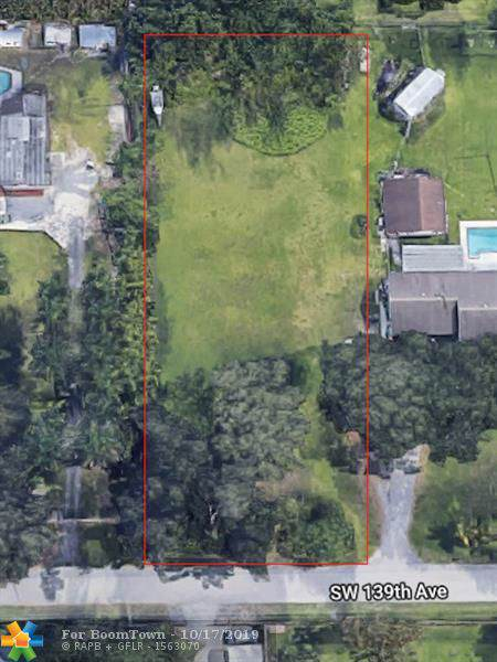 139 AVE SW 139th Ave, Davie, FL 33330 (MLS #F10199348) :: United Realty Group
