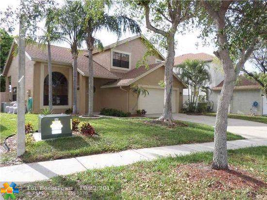 23019 Sunfield Dr, Boca Raton, FL 33433 (MLS #F10200026) :: Berkshire Hathaway HomeServices EWM Realty