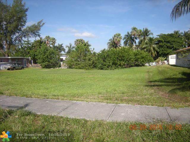 193 NW 14th Way, Dania Beach, FL 33004 (MLS #F10201280) :: Castelli Real Estate Services