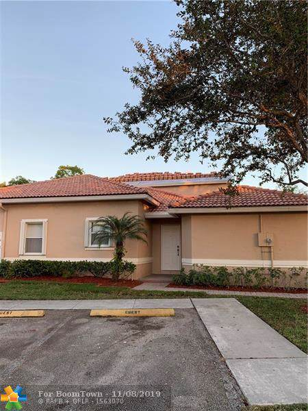 689 NW 130th Way, Pembroke Pines, FL 33028 (MLS #F10202484) :: Berkshire Hathaway HomeServices EWM Realty