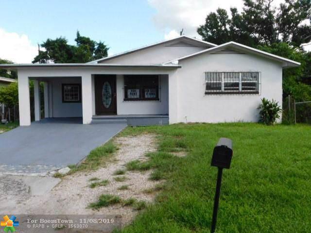 661 SE 2nd St, Belle Glade, FL 33430 (MLS #F10202780) :: Miami Villa Group