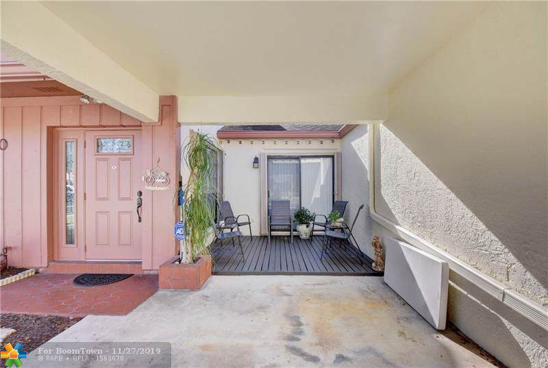 1830 Tamarind Ln - Photo 1