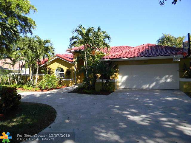 8637 NW 50th Dr, Coral Springs, FL 33067 (MLS #F10206577) :: Castelli Real Estate Services