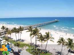 2711 NE 11th Ter, Pompano Beach, FL 33064 (MLS #F10207398) :: RE/MAX