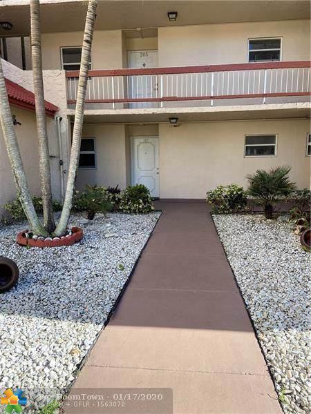 9451 Evergreen Pl #105, Davie, FL 33324 (MLS #F10212023) :: Green Realty Properties