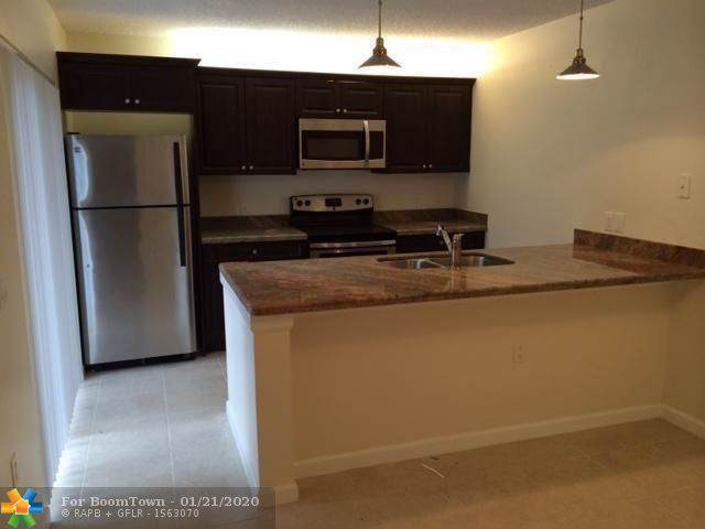 3321 33rd Way #3321, West Palm Beach, FL 33407 (MLS #F10212796) :: THE BANNON GROUP at RE/MAX CONSULTANTS REALTY I