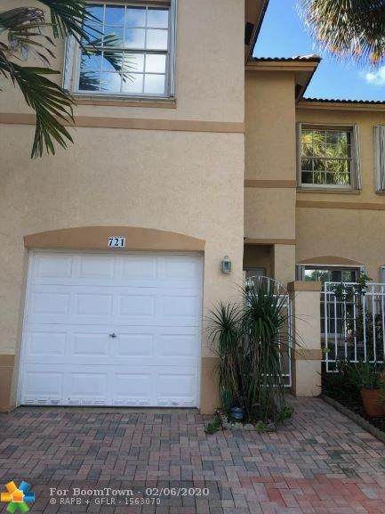 721 NW 170th Ter, Pembroke Pines, FL 33028 (MLS #F10215009) :: Castelli Real Estate Services