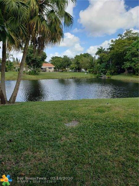 10101 NW 36th St, Coral Springs, FL 33065 (#F10217255) :: Ryan Jennings Group
