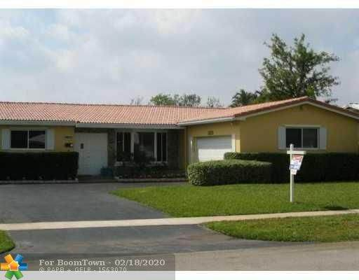 5200 Roosevelt St, Hollywood, FL 33021 (MLS #F10217614) :: Berkshire Hathaway HomeServices EWM Realty