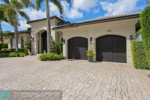1921 Blue Water Terrace S, Lauderdale By The Sea, FL 33062 (#F10220212) :: Signature International Real Estate