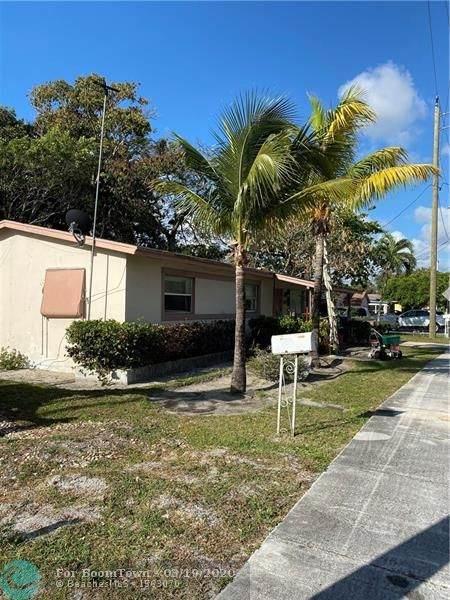 10 SW 5 Court, Deerfield Beach, FL 33441 (MLS #F10222575) :: Berkshire Hathaway HomeServices EWM Realty
