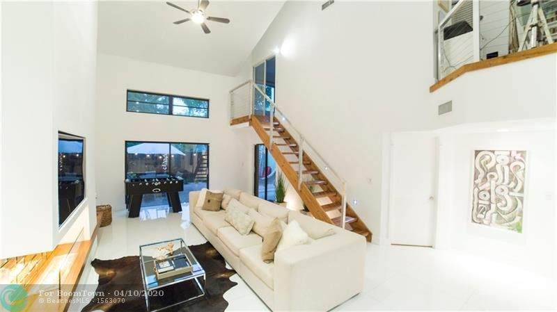 2800 Oakland Forest Dr - Photo 1