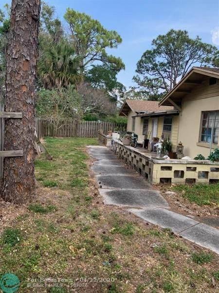 3898 Forest Hill Blvd, Palm Springs, FL 33406 (MLS #F10226408) :: Laurie Finkelstein Reader Team
