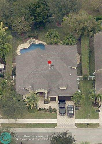 8365 S Lake Forest Dr, Davie, FL 33328 (MLS #F10231728) :: ONE Sotheby's International Realty
