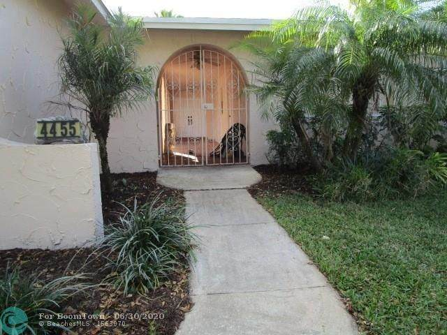 4455 SW 68th Ave, Davie, FL 33314 (MLS #F10236582) :: Green Realty Properties