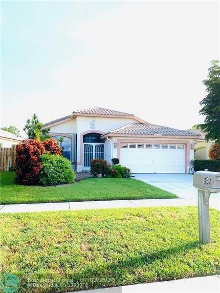 837 Lake Wellington Dr, Wellington, FL 33414 (MLS #F10237159) :: Green Realty Properties