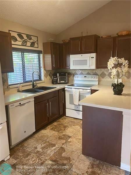 13293 NW 6th Ct #13293, Plantation, FL 33325 (MLS #F10237194) :: Berkshire Hathaway HomeServices EWM Realty