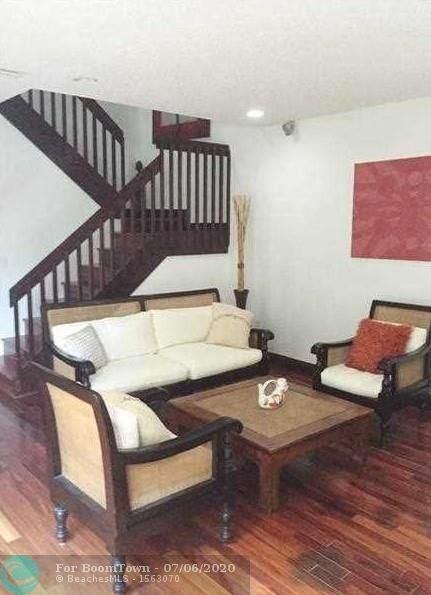 1564 Yellowheart Way #1564, Hollywood, FL 33019 (MLS #F10237420) :: Berkshire Hathaway HomeServices EWM Realty