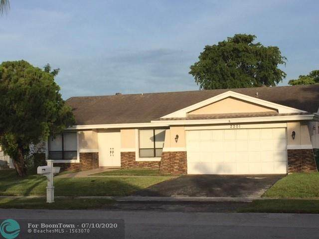 2201 NW 69th Ter, Margate, FL 33063 (MLS #F10238260) :: United Realty Group