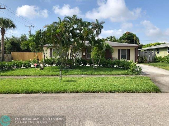 118 E Ilex Dr, Lake Park, FL 33403 (MLS #F10238529) :: Berkshire Hathaway HomeServices EWM Realty