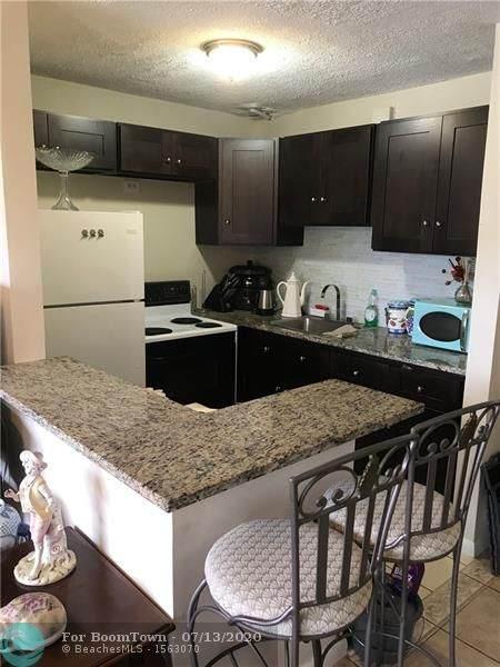 52 Markham C #52, Deerfield Beach, FL 33442 (MLS #F10238774) :: Berkshire Hathaway HomeServices EWM Realty