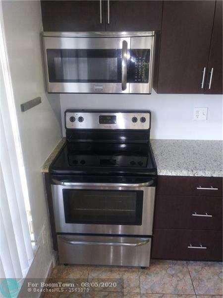 4156 Inverrary Dr #112, Lauderhill, FL 33319 (MLS #F10241905) :: Green Realty Properties