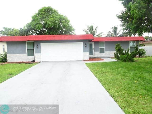 7012 NW 64th St, Tamarac, FL 33321 (MLS #F10242350) :: The Paiz Group