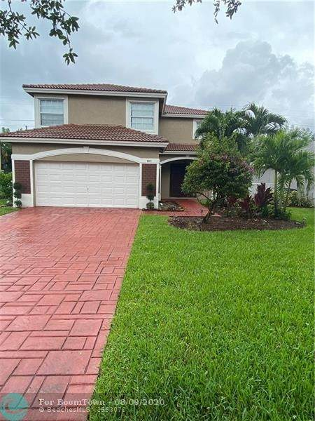 8010 NW 70th Ave, Parkland, FL 33067 (MLS #F10243119) :: Castelli Real Estate Services
