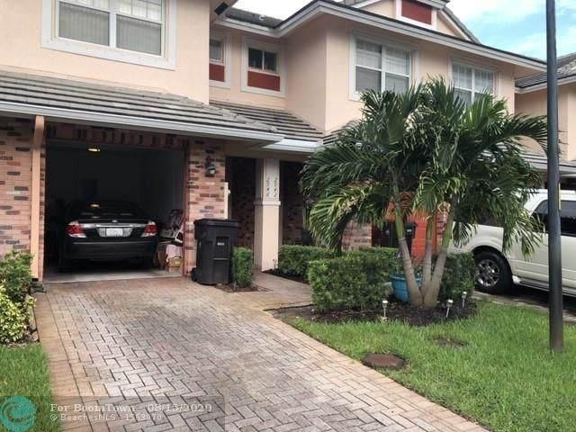 2946 NW 33rd Way #2946, Lauderdale Lakes, FL 33311 (MLS #F10244192) :: Berkshire Hathaway HomeServices EWM Realty