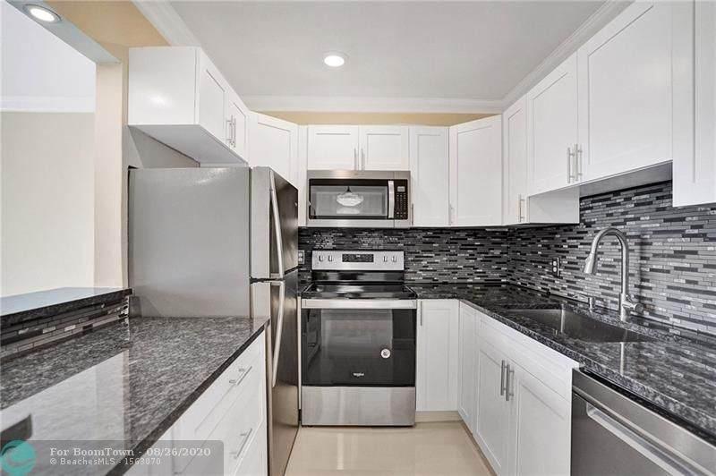 3200 Springdale Blvd - Photo 1