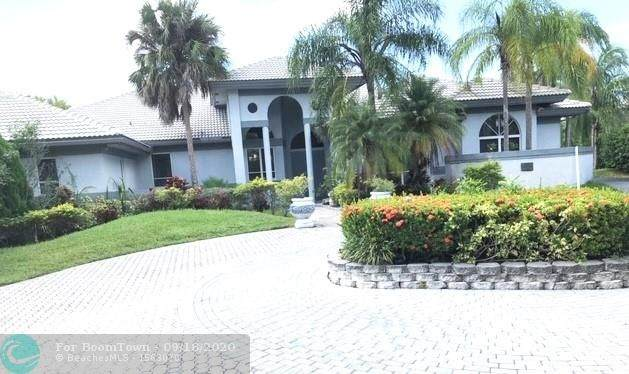 16390 Paddock Ln, Weston, FL 33326 (MLS #F10249648) :: United Realty Group