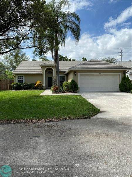 7353 NW 45th Ave, Coconut Creek, FL 33073 (MLS #F10250331) :: United Realty Group