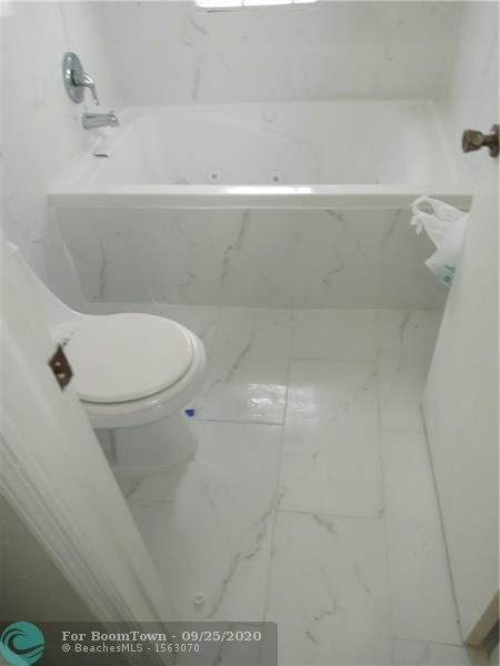 9583 NW 52nd Ct, Sunrise, FL 33351 (MLS #F10250685) :: Berkshire Hathaway HomeServices EWM Realty