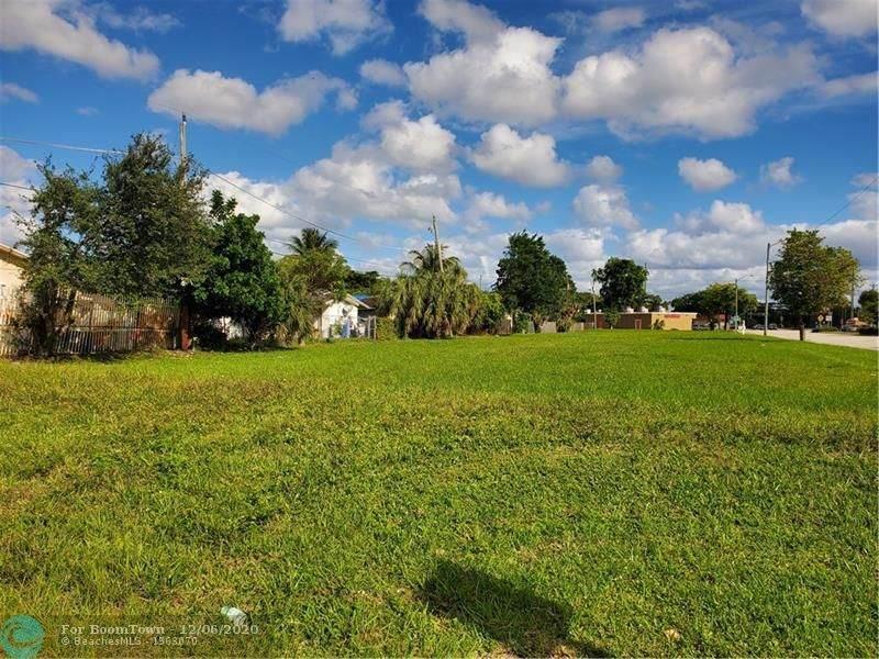 400 Pompano Park Place - Photo 1