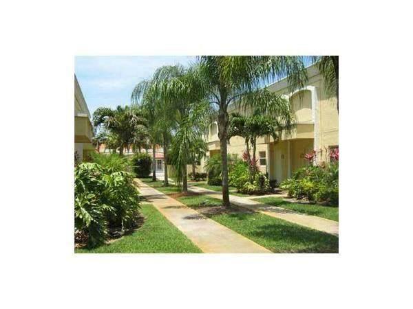 17911 NW 68 AV O205, Hialeah, FL 33015 (#F10270498) :: Ryan Jennings Group