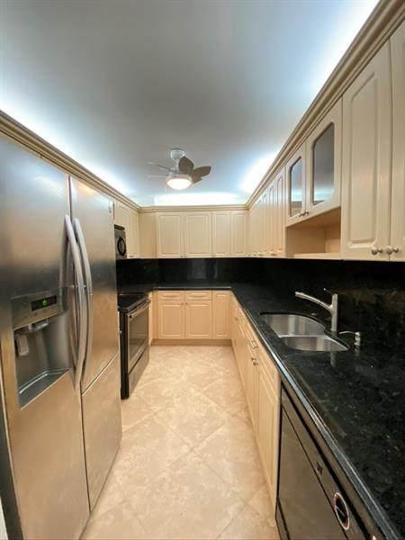 1200 Hibiscus Ave #303, Pompano Beach, FL 33062 (#F10270728) :: Signature International Real Estate