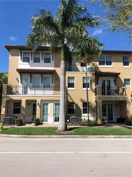 1050 SW 147th Ave #10108, Pembroke Pines, FL 33027 (#F10271173) :: Exit Realty Manes Group