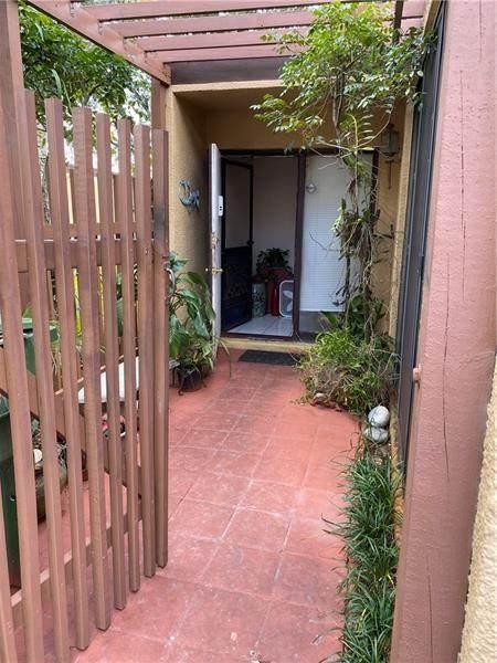 1560 W Golfview Dr #1560, Pembroke Pines, FL 33026 (MLS #F10272799) :: Green Realty Properties