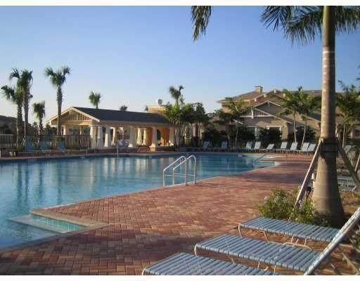 960 Millbrae Ct #2, West Palm Beach, FL 33401 (MLS #F10273053) :: GK Realty Group LLC