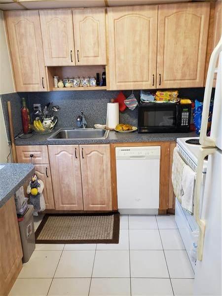 352 Brittany H #352, Delray Beach, FL 33446 (MLS #F10273126) :: Green Realty Properties