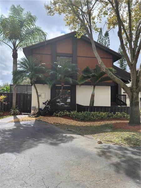 1361 E Sandpiper Cir, Pembroke Pines, FL 33026 (MLS #F10273181) :: Green Realty Properties